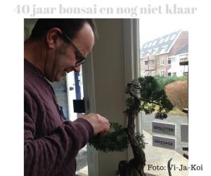 afb Javie bezig met bonsai